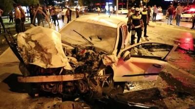 Zincirleme trafik kazası: 7 yaralı - İZMİR