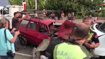 Banka para nakil aracı otomobille çarpıştı: 1'i ağır 3 yaralı