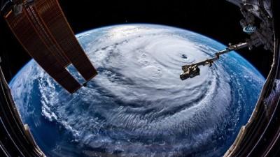 - Florence Kasırgası Uzaydan Görüntülendi