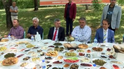 Lezzet Vadisinde yörenin ürünleri kahvaltı sofralarını süslüyor