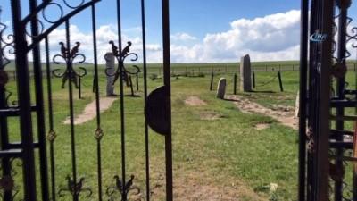 - Türkiye Ata Mirasına Sahip Çıkıyor - TİKA'nın Çevre Düzenlemesini Yaptığı Anıtlar, Özellikle Bölgedeki Türkler Tarafından İlgi Görüyor