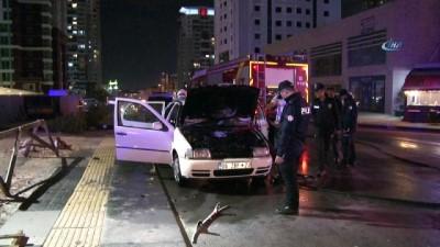 yangin yeri -  Ankara'da seyir halindeki otomobil alev aldı
