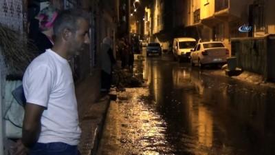 Bursa'da etkili olan yağış sonrası birçok evi su bastı