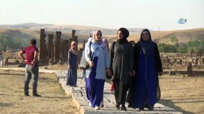 Cumhurbaşkanının ziyareti Ahlat'a ilgiyi artırdı