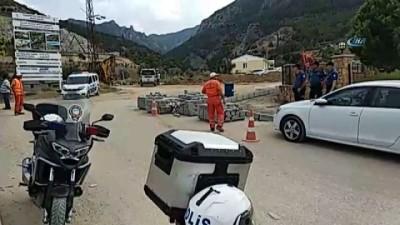 Denizli'de yapay şelale inşaatında vinç kazası: 1 işçi öldü 3 işçi ağır yaralandı