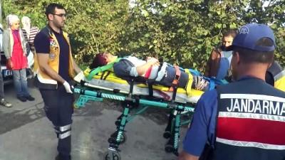 Fındık işçilerini taşıyan traktör devrildi: 5 yaralı - DÜZCE