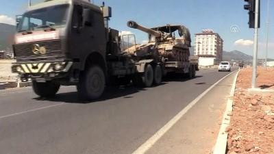 İdlib sınırına askeri sevkiyat sürüyor - HATAY