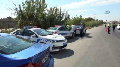 Sivil polislerin trafik lambalarında hatalı sürücü nöbeti