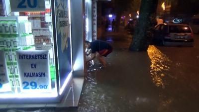 Yalova sele teslim oldu, ev ve iş yerileri sular altında kaldı