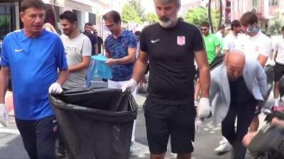 Balkes'li futbolcular sokaklardan çöp topladı