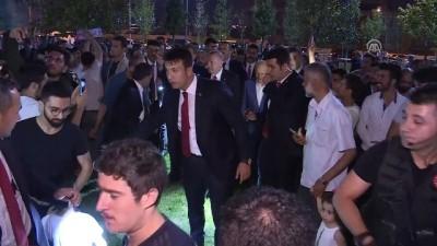 Erdoğan, piknik yapan vatandaşlarla sohbet etti - İSTANBUL