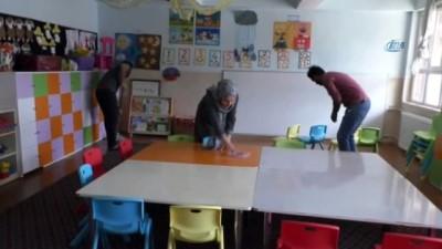 Hakkarili öğretmenlerden örnek davranış
