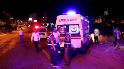 Otomobil yayalara çarptı: 2 yaralı - ADIYAMAN