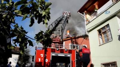 Tokat'ta iki katlı evde yangın çıktı
