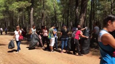 Turistler çöp topladı - ANTALYA