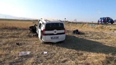 Hafif ticari araç şarampole devrildi: 1 ölü, 3 yaralı - AKSARAY