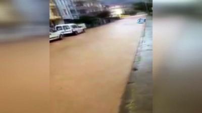 Kocaeli'de aniden bastıran yağmur zor anlar yaşattı