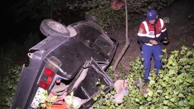 Otomobil şarampole devrildi: 4 yaralı - ERZİNCAN