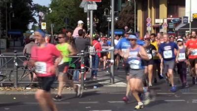- Uluslararası Berlin Maratonu türküler ve halaylar eşliğinde koşuldu