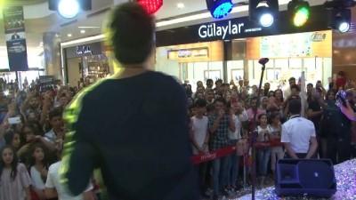 - Ünlü rock grubu Zakkum Diyarbakır'da konser verdi