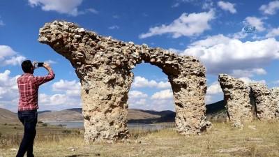 Yıllarca su kemeri sanıldı, bazilika-kilise olduğu ortaya çıktı