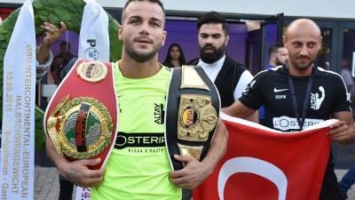 Almanya'da yaşayan Türk boksör Şükrü Altay'dan yeni altın kemer