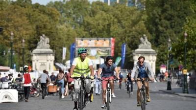 Arabasız Pazar Günü'nde Brüksel sokakları yaya ve bisikletlilerin oldu