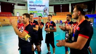 İBB itfaiyesi, Türkiye'yi temsil ettiği Güney Kore'de 24 altın madalya kazandı