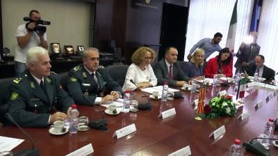 İtalya Savunma Bakanı Trenta Makedonya'da - ÜSKÜP