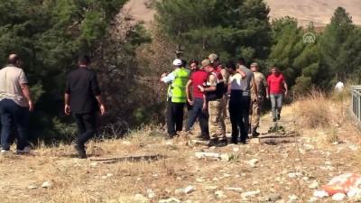 Kontrolden çıkan otomobil okulun bahçesine girdi: 4 yaralı - SİİRT