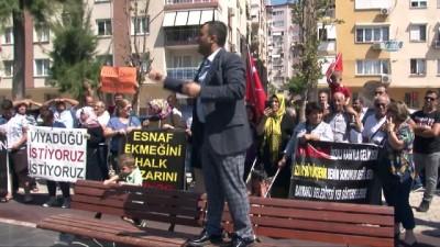 """Pazarcıların eyleminde vatandaş tepkisi, """"Pazar yüzünden cenazemizi evden çıkaramıyoruz"""""""