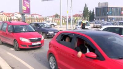 Sakarya'da okullar açıldı, trafik durma noktasına geldi