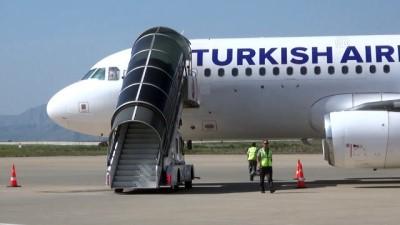 Şerafettin Elçi Havalimanı'nda yolcu trafiği - ŞIRNAK