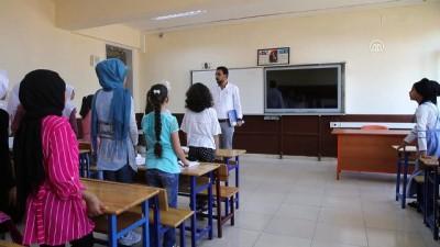 Suriyeli öğrenciler ders başı yaptı - HATAY