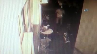 Takip edildiğinden habersiz, kapı kapı soyacak ev aradı...Karşısında polisleri görünce şok yaşadığı anlar kamerada