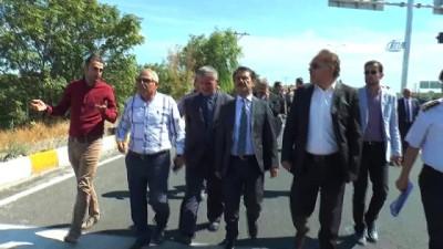 Vali Aktaş ölüm kavşağında incelemelerde bulundu