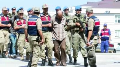 Afrin'de MİT ve jandarmanın operasyonuyla yakalanan 9 terörist adliyeye sevk edildi