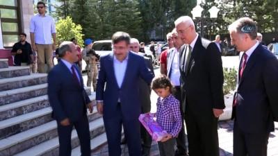 AK Partili Yılmaz;'En büyük ihtiyacımız üretmek ve ihraç etmek