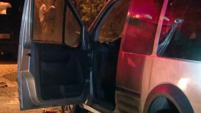 Aracının kundaklandığını gören kadın baygınlık geçirdi