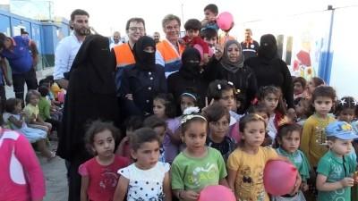 (ARŞİV) - Türk doktor, Suriyelilerin kaldığı kamplardaki deneyimlerini paylaştı