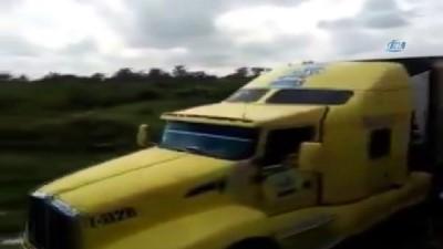 - Ceset Dolu Treyler, Meksika'da Öfkeye Yol Açtı