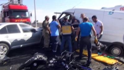 Cizre'de zincirleme trafik kazası: 1 ölü, 8 yaralı