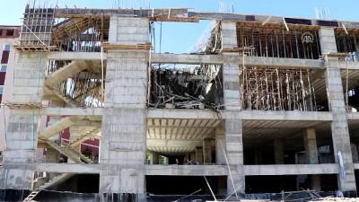 Elazığ'da inşaatta çökme: 2 yaralı