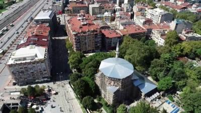 Pertev Paşa Camii'ndeki restorasyon çalışmaları havadan görüntülendi