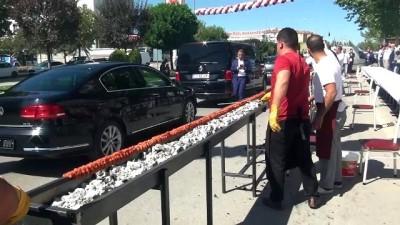 19 metre uzunluğunda Adana kebabı yapıldı - ÇORUM