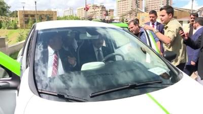 Bakan Dönmez, yüzde 100 elektrikle çalışan aracı denedi - ANKARA