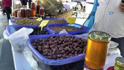 Köy ürünleri tezgahlarına vatandaşlardan yoğun ilgi