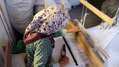 Meraklıları için 'antika bez' üretiyor - DENİZLİ