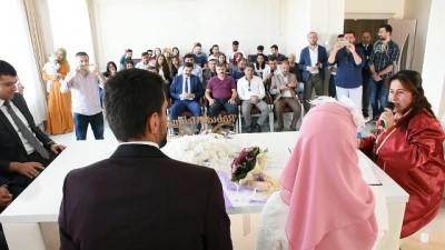 Yüksekova'da öğretmen çift dünya evine girdi - HAKKARİ