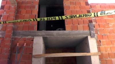 lise ogrencisi -  8. kattan atlayarak intihar etti...Cebinden' Artık dayanamıyorum. Ben ölmezsem başkaları ölecek. Eğer ölmez sakat kalırsam beni öldürün' notu çıktı
